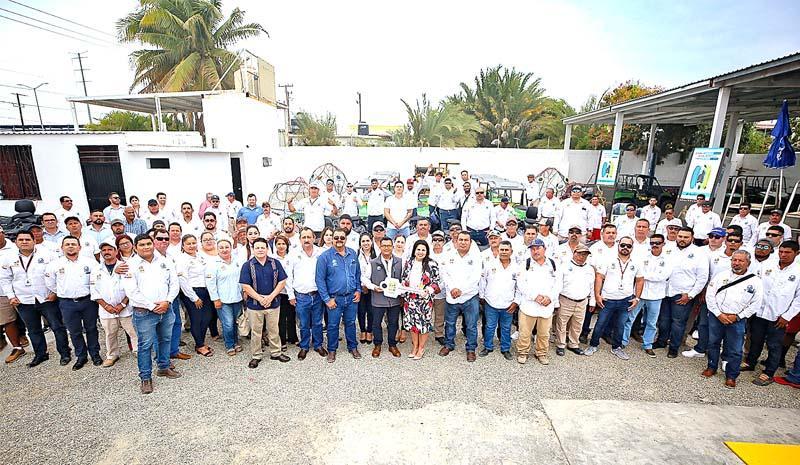 Recibe Zofemat Los Cabos taller y equipamiento necesario para cuidado y limpieza de playas