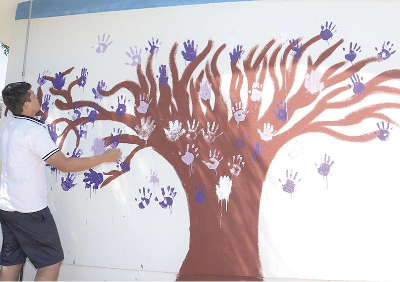 Plasman el Árbol de la Equidad y de la No Violencia en La Paz