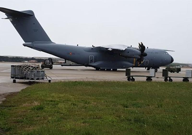 Aterriza en Madrid un avión con 14 toneladas de material sanitario