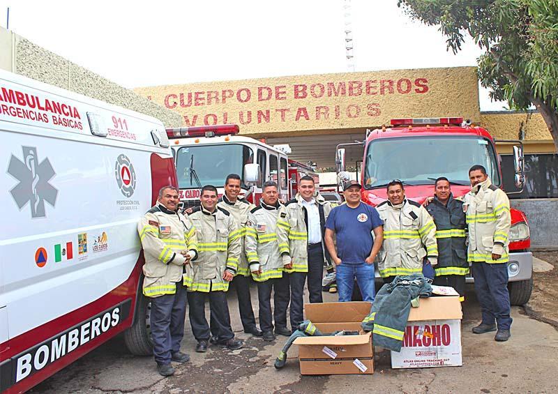 Recibe Departamento de Bomberos de SJC donación de 10 equipos para bombero estructural
