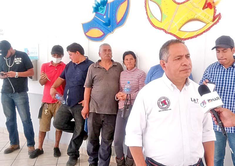 Se suman camioneros al reclamo por pagos atrasados del Ayuntamiento de La Paz