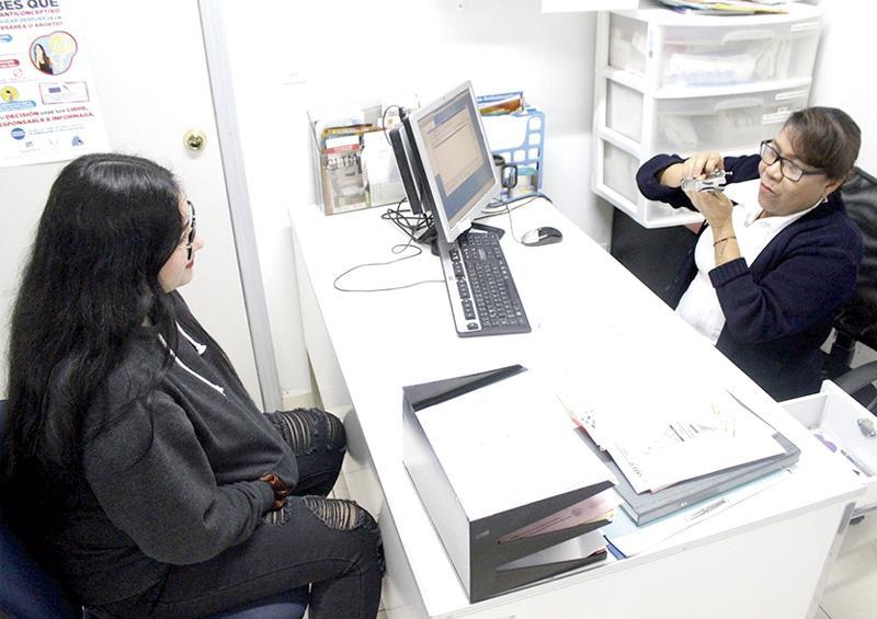 Realizan detecciones de cáncer  cervicouterino en centros de salud de BCS