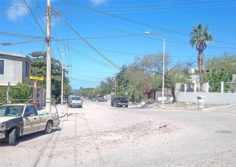 Llamado para reparar luminarias descompuestas en la Rivero Anaya