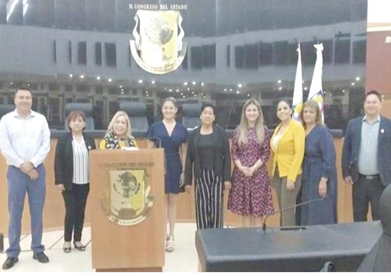 Diputados de oposición también destituyen y llaman a suplentes de Morena