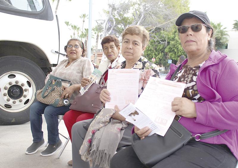 Atención permanente para la mujer en servicios de salud: George Flores