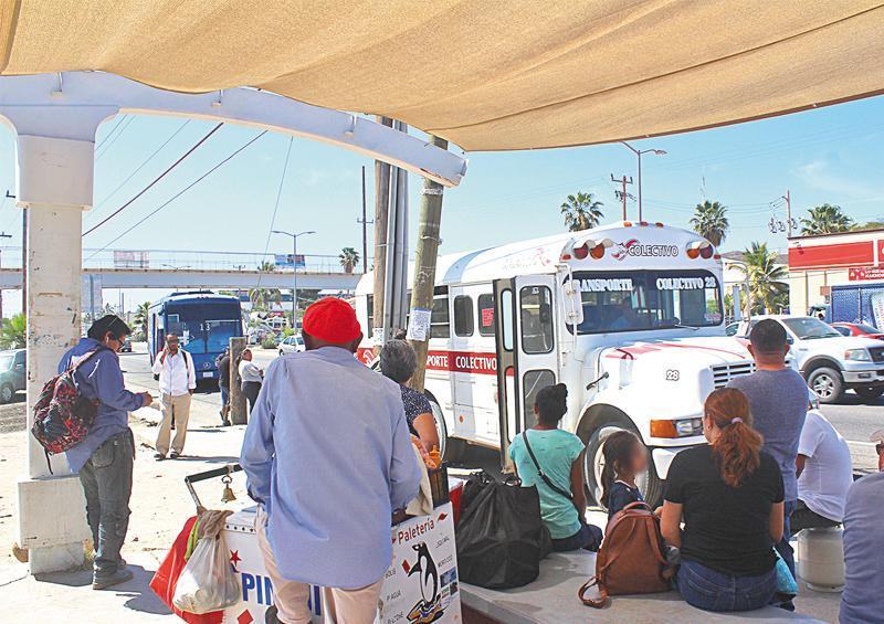 """""""No están tomando medidas adecuadas por Covid-19 en transporte público"""" Ciudadana"""
