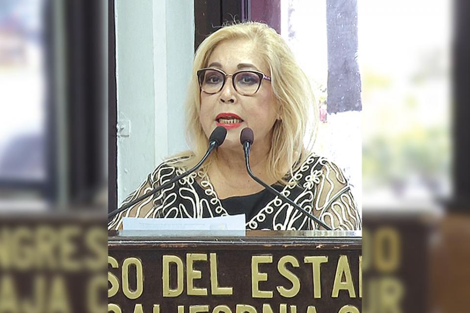 Redujo Federación 2 mil mdp de 20 programas para mujeres