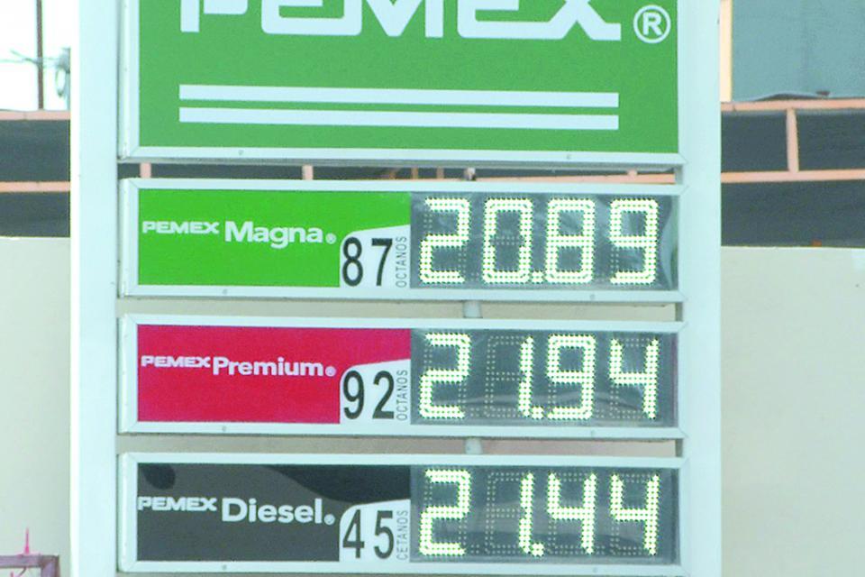 Rondan precios de la gasolina los  $20 pesos en San José del Cabo