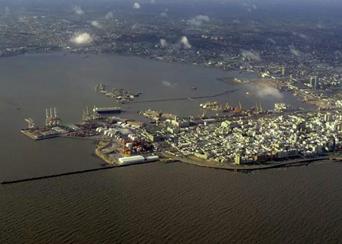 Hay al menos 120 infectados con coronavirus en crucero varado en Uruguay