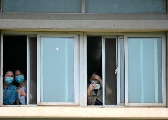 A pesar de haber finalizado el aislamiento, persiste el miedo en Wuhan