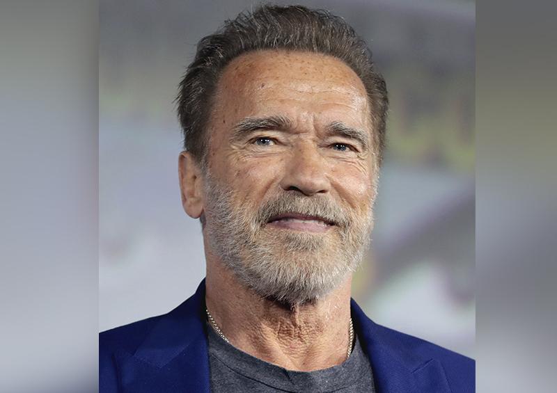 Dos gotas de agua: el hijo de Arnold Schwarzenegger recrea la legendaria pose de su padre