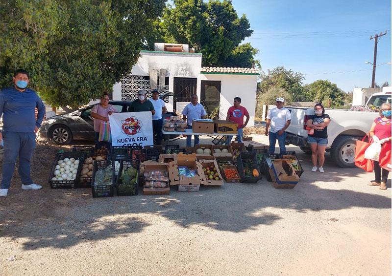 Se solidariza la CROC con sus agremiados que perdieron su trabajo; les entrega frutas y verduras
