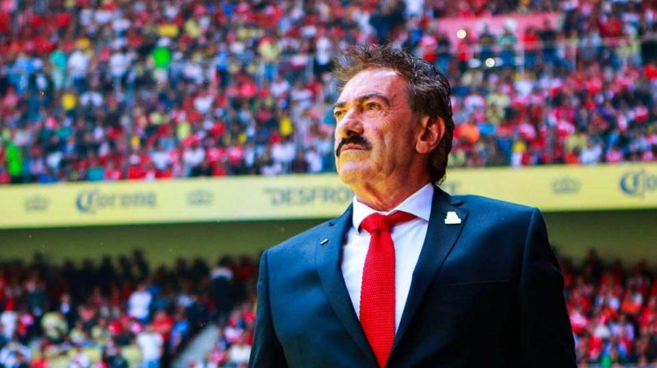 Ricardo Lavolpe anuncia su retiro como director técnico
