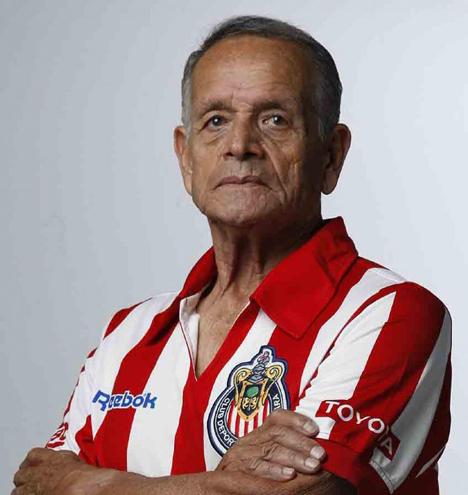 """Luto en Chivas por muerte de Tomas Balcázar leyenda del """"Campeonísimo"""""""