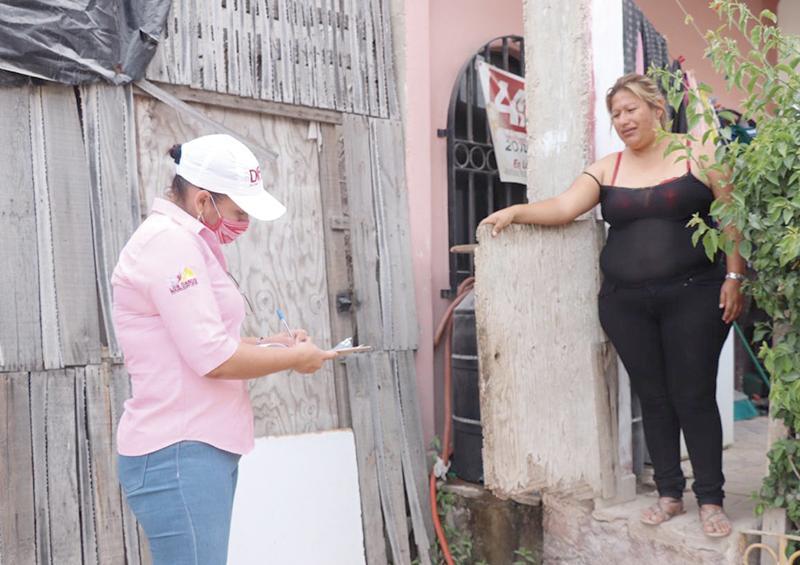 Entregan despensas en colonias  Las Palmas y Cabo Fierro de CSL