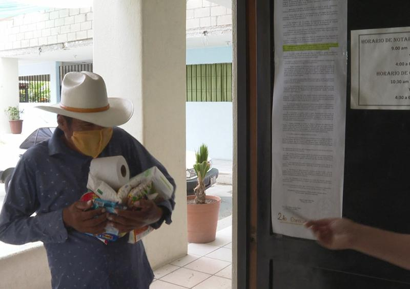 Parroquia Divina Misericordia brinda apoyo con despensa a personas en situación vulnerable