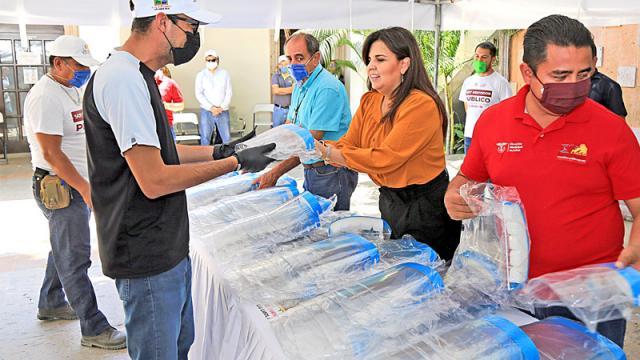 Entregan donación de caretas de protección por parte de la Fundación Familias por los Derechos Humanos