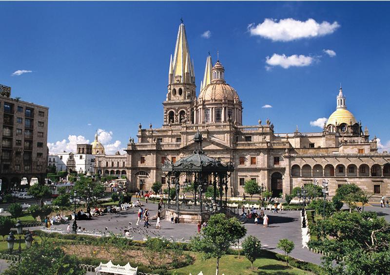 Cierran actividades turísticas 15 municipios de Jalisco