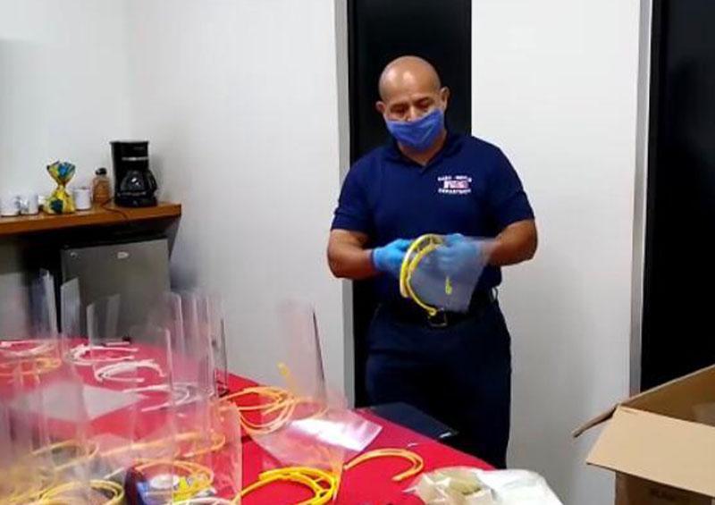 Más de 200 mascarillas ha distribuido Bomberos de CSL a hospitales de Los Cabos