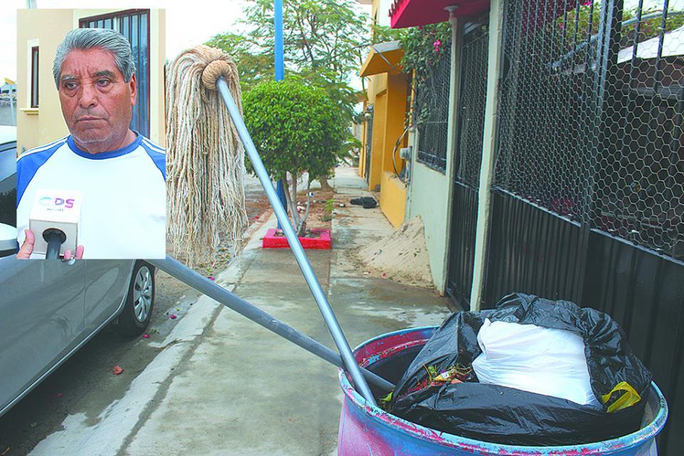 """""""Lleva 9 días sin pasar el camión recolector de basura"""" vecino de Villas de Cortez"""