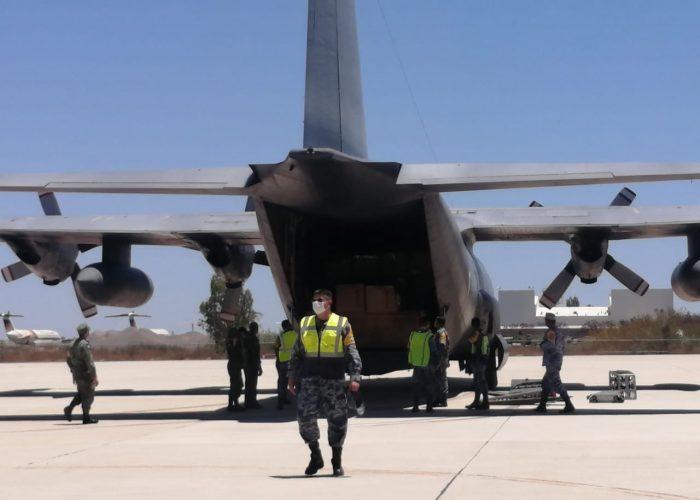 Arribó a La Paz avión con 10 toneladas de insumos médicos
