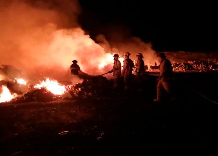 Controlan incendio en relleno sanitario de La Paz