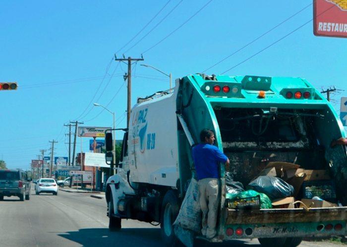 Reactivan recolección de basura en La Paz