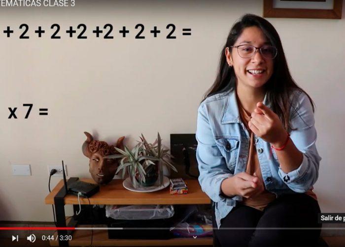 Maestra brinda clases a través de YouTube durante contingencia