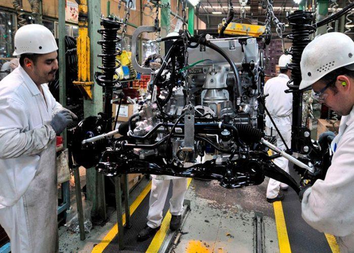 Sectores automotriz, construcción y minero ayudarán a reactivar economía