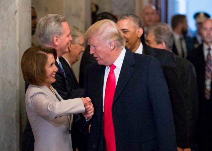 Trump y Pelosi intercambian insultos por hidroxicloroquina