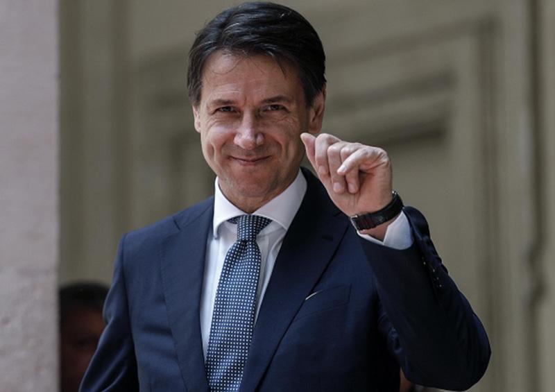 Italia pasará el verano en la playa y no en balcones: Conte