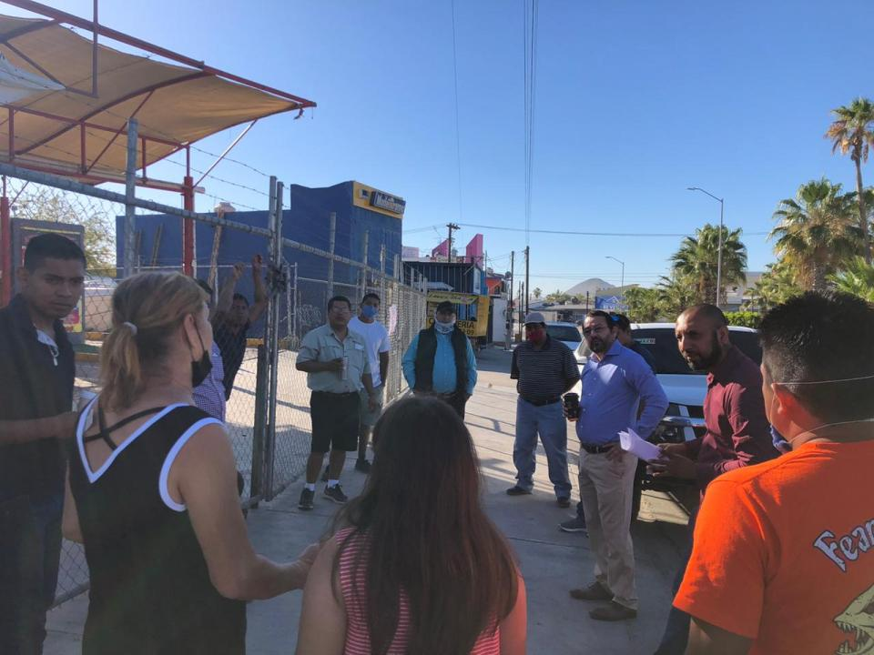 Más de 50 negocios de car wash en Los Cabos piden trabajar
