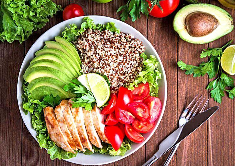 Nutrióloga advierte sobre desórdenes alimenticios durante el confinamiento