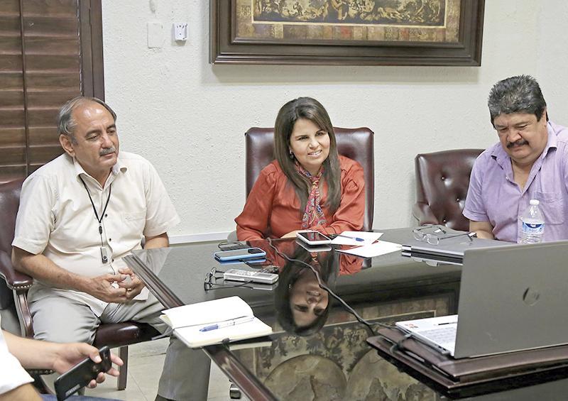 Gestiona Alcaldesa ante Conagua ruta que permita al Oomsapas poder ampliar suministro de agua
