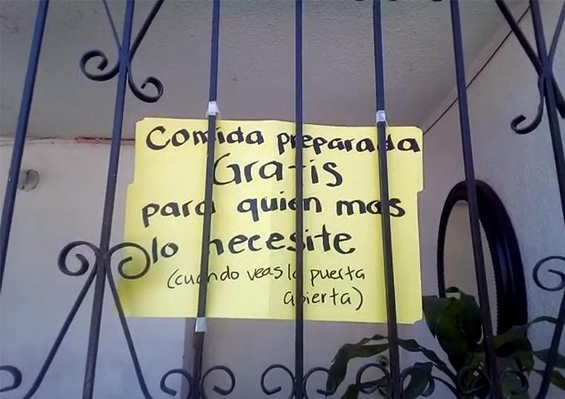 Ciudadana ofrece platillos de comida en su domicilio durante la contingencia