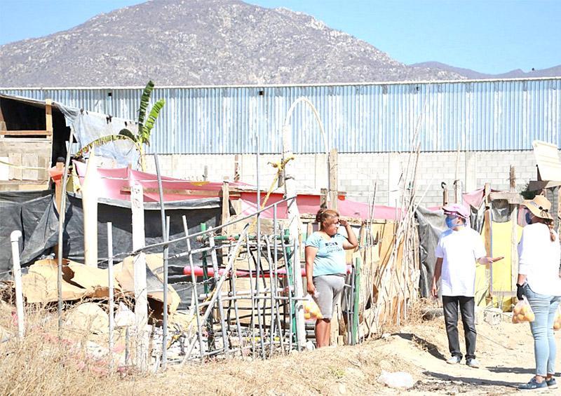 Se suma la XI Regidora de Los Cabos en la entrega de apoyos asistenciales