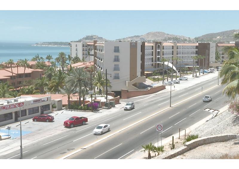 Politólogo expone ante Madrugadores de Los Cabos que tema clave para el municipio es el desarrollo e infraestructura urbana