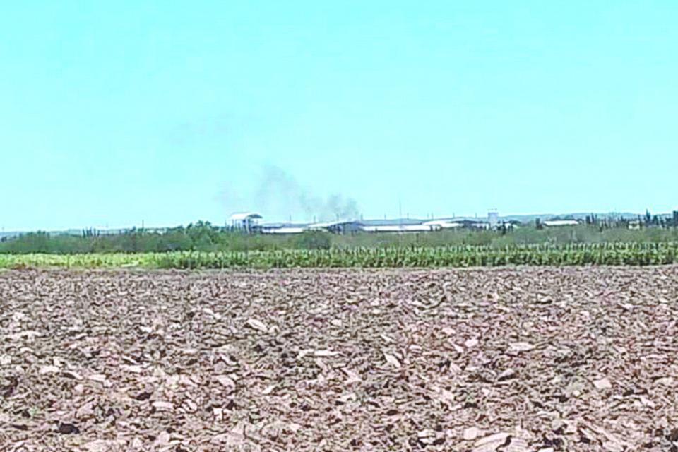 Denuncian grave contaminación en Chametla provocada por planta recicladora de llantas