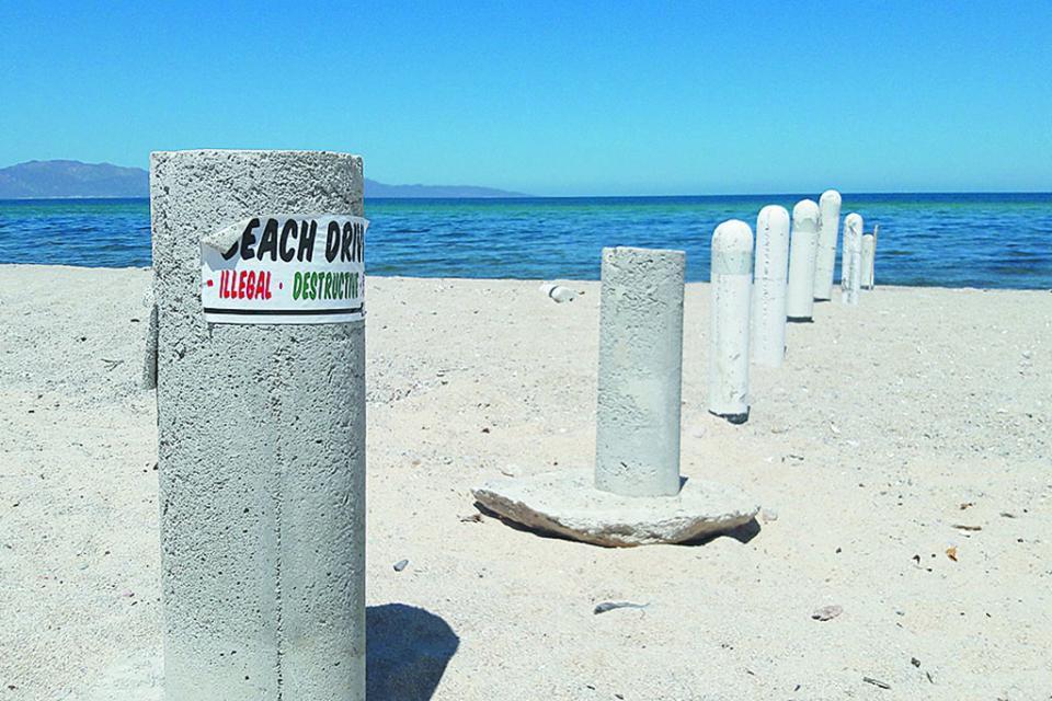 Ciudadanos de El Sargento  denuncian obstaculización de circulación en playa El Palmar