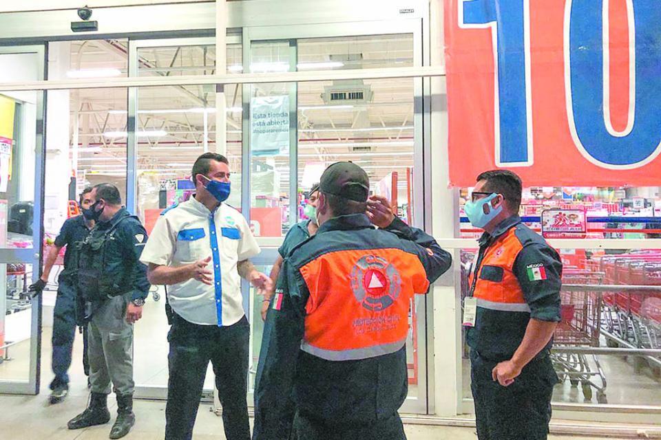 Ningún negocio podrá estar  abierto después de las 8 de la noche: Protección Civil