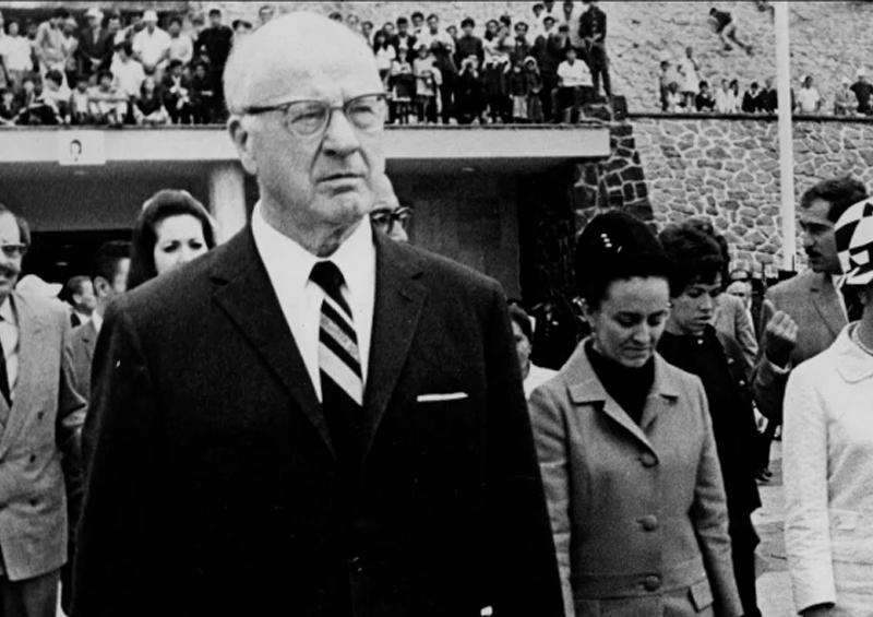 Retiran busto de presidente del COI por su pasado racista