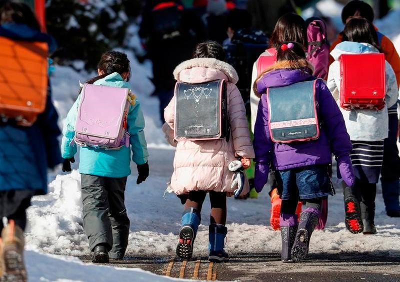 Reportan nuevos brotes de Coronavirus en escuelas japonesas