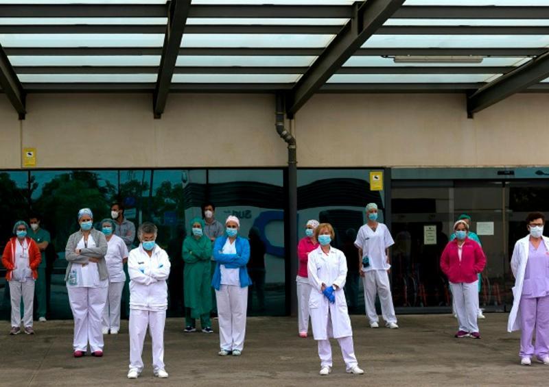 Hospital español hace tests a 4.500 empleados por rebrote de virus