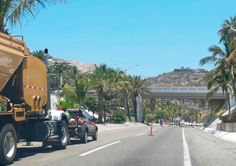 Un carril habilitado de la carretera de Cerro Colorado a Palmilla