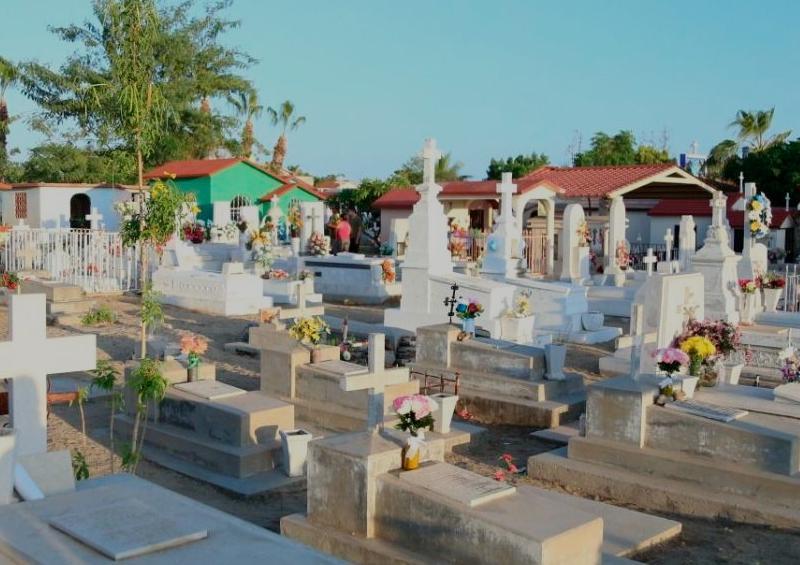 Panteones de La Paz permanecerán cerrados