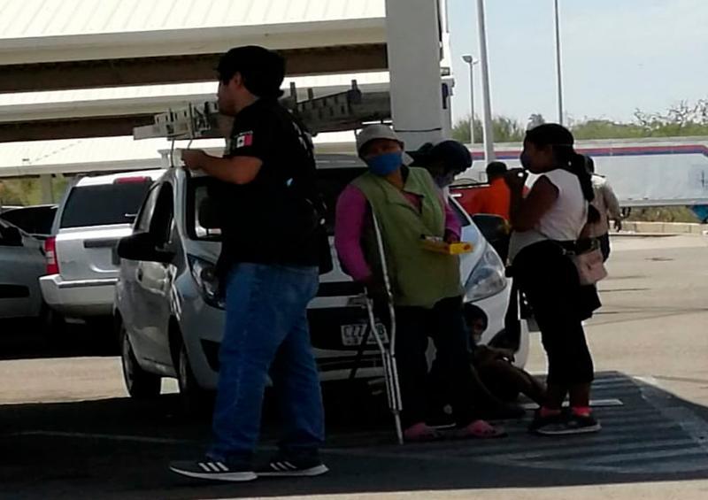 Inspectores bajan al pasaje de UBER y obligan a usar taxis: Usuaria