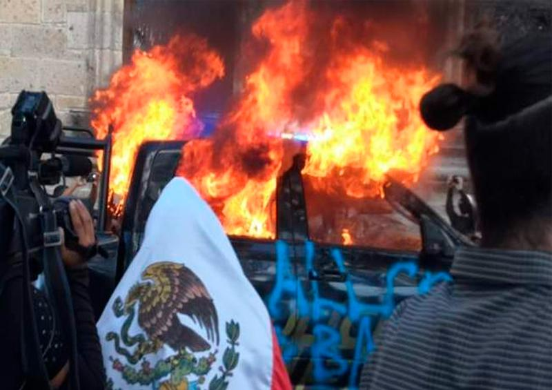 Manifestantes destruyen centro de Guadalajara