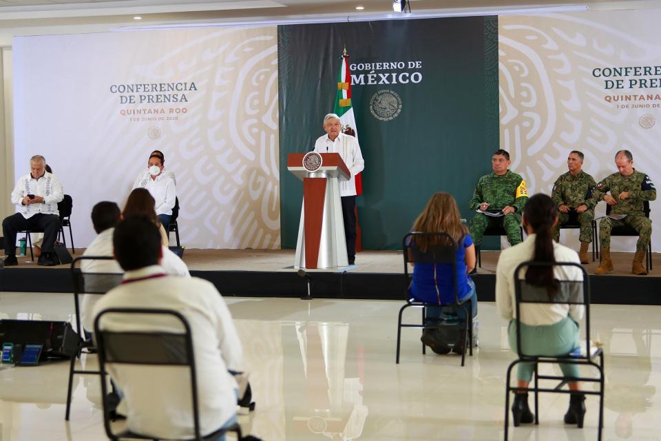 """""""Se abrirá Quintana Roo al turismo en un 30%"""" AMLO"""