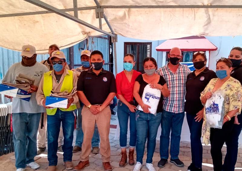 Sindicato de Burócratas dota de uniformes a colaboradores en CSL