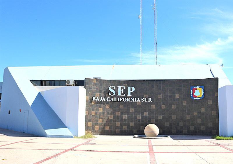 Alertan intento de fraude  telefónico a directivos de escuelas  por supuesta sanitización: SEP